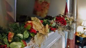 Red Gold & Green Mantel
