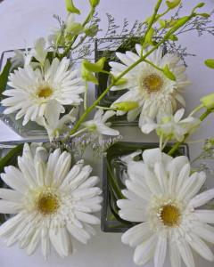 Tabletop bud vases