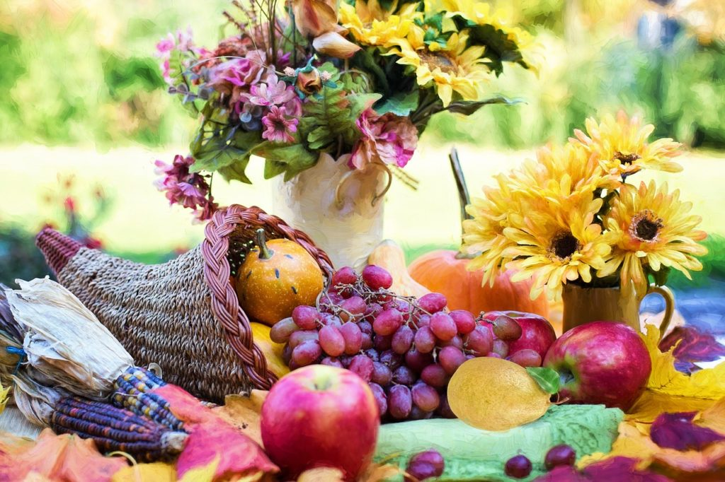 cornucopia with fresh fruit