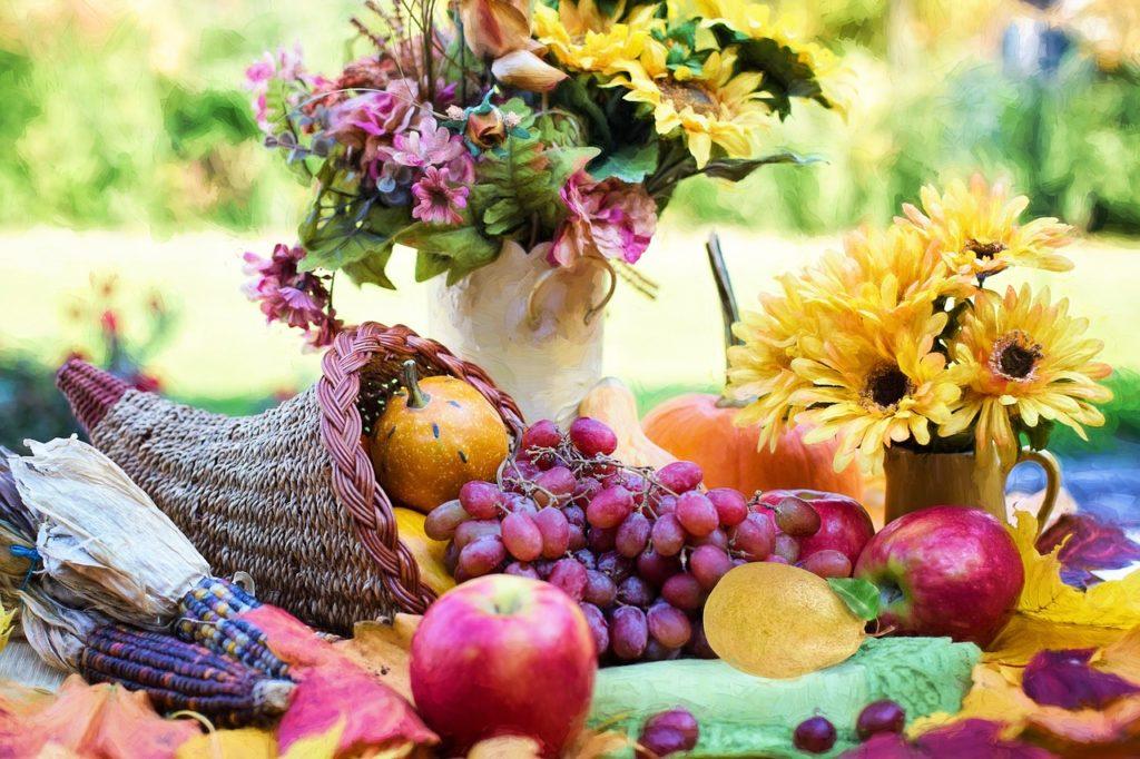 cornucopia with fresh fruit